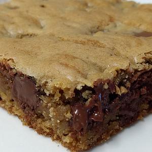 Chocolate Chip Cookie Brownie-Jazzi Sweets